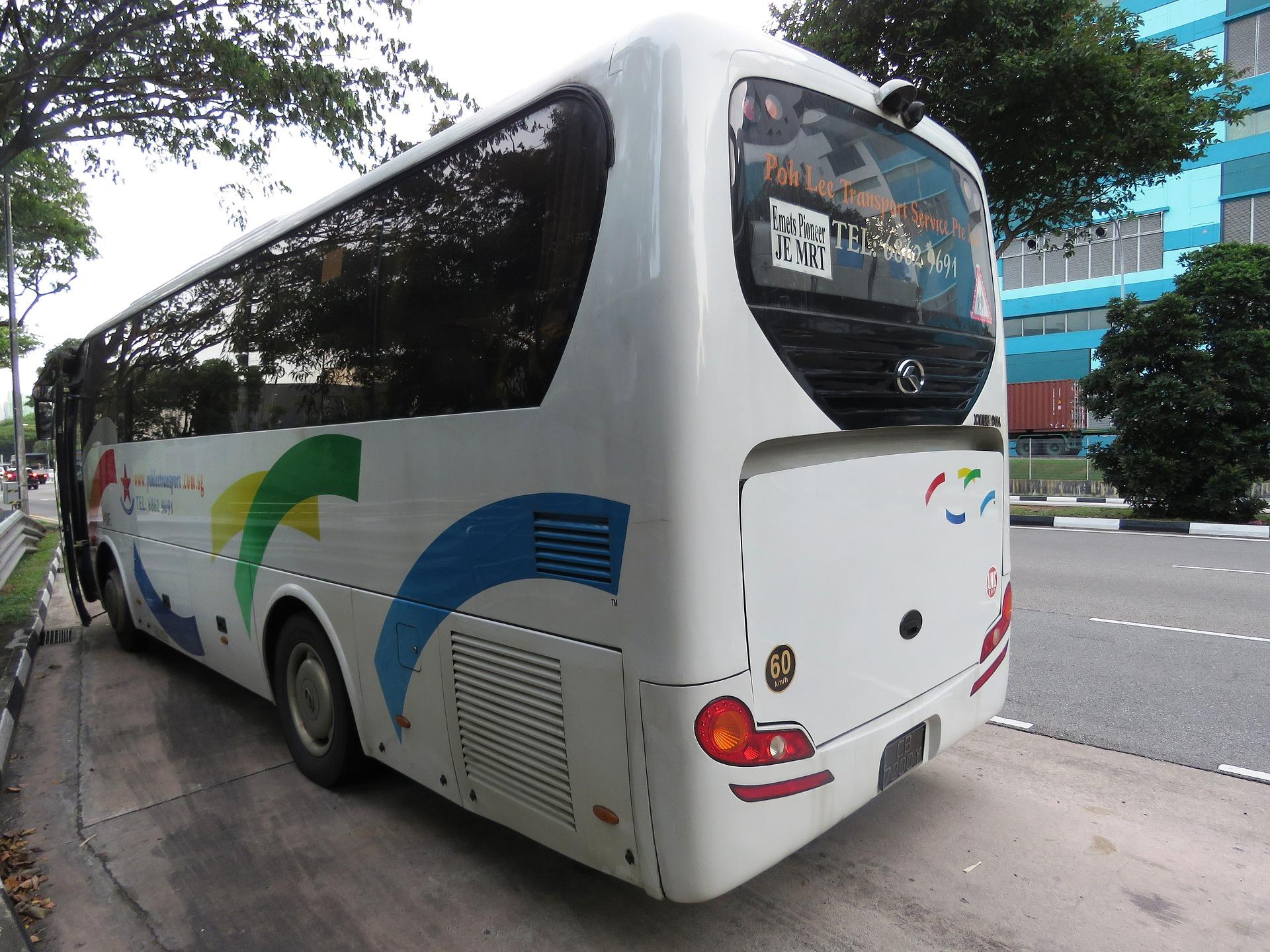 bus-2460482_1920